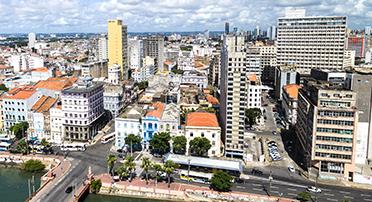 해안가의 브라질 헤시피 도시 풍경.