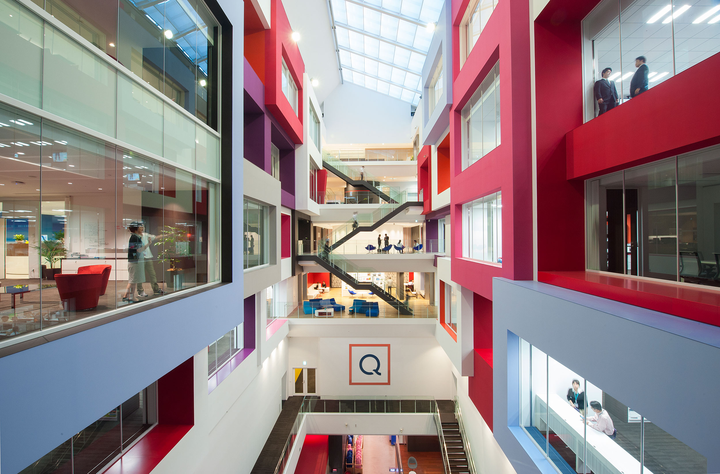 QVC Japan Atrium