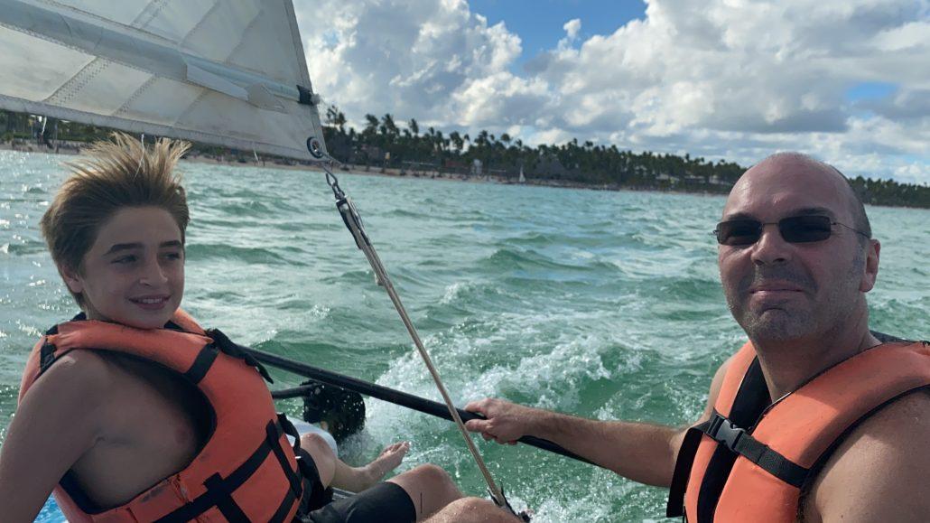 Roberto sailing
