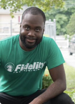 Fidelity employee wearing a company shirt while volunteering