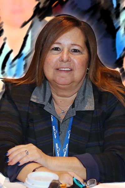 Liz Lohman Headshot