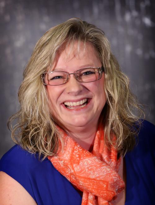 Theresa Kaszubski Headshot