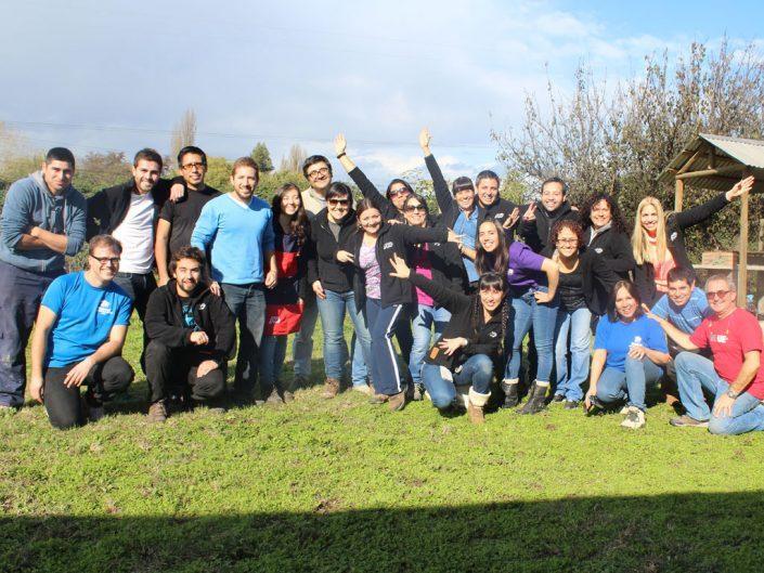 Grupa pracowników ADP, którzy zgłosili się do programu Habitat for Humanity w Chile.