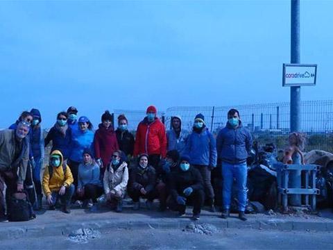 Un grup de asociați ADP la campania de curățare Delta Văcărești