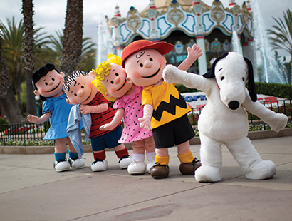 California Carousel snoopy characters