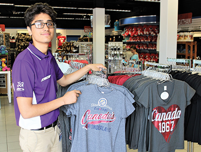 Canada Carousel merchandise store staff