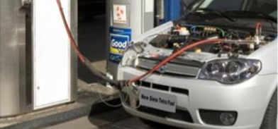 Fiat® Siena Tetrafuel getting a fill up