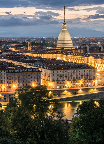 Nighttime view of the Turin skyline featuring the Mole Antonelliana.