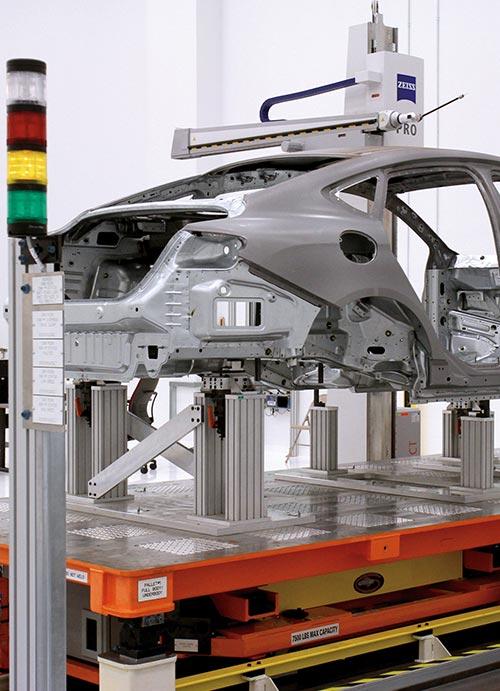 Máquina con marco para autos