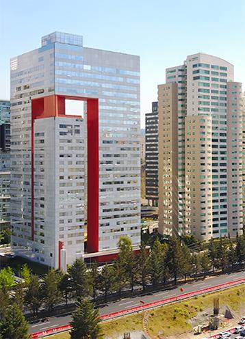 Edifici alti e moderni a Santa Fe, in Messico