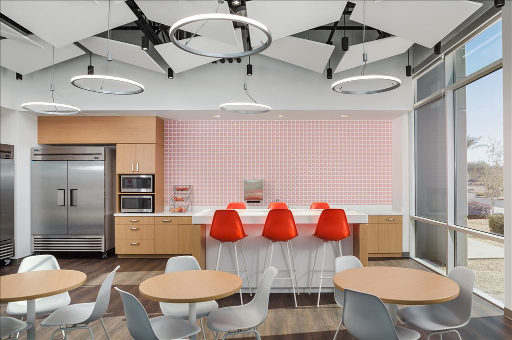Cafeteria with seating areas at Liberty Mutual Chandler, AZ office