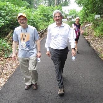Alan-L-Walks-with-Leaders